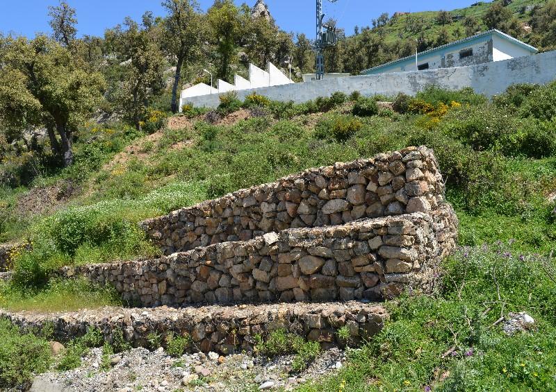 Les étapes de la construction d'un mur de soutènement   Renouard REB